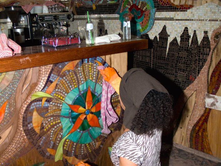 Coffeeshop Amsterdam Abraxas Mozaiek Siomara van Eer MosaicAffairs mosaic art in opdracht weed hash