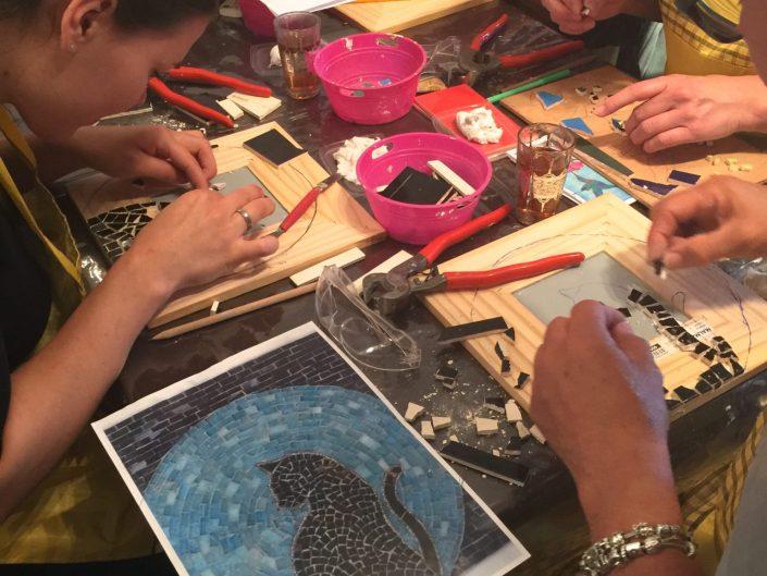Creatief Bedrijfsuitje mozaïek met Tapas MosaicAffairs