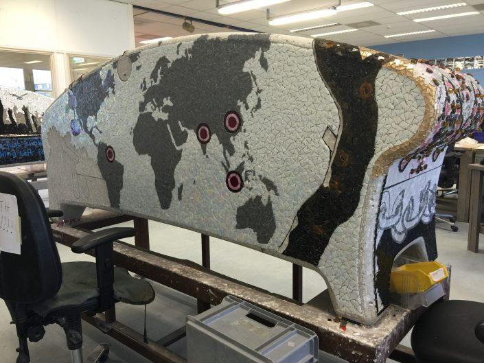 Keti Koti Gedenk kunstwerk Suriname, Contractarbeiders mozaïek bank MosaicAffairs
