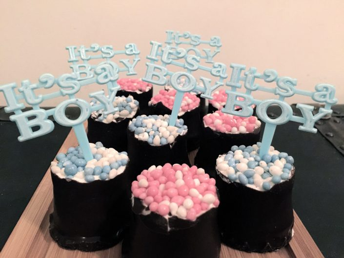 Baby gender reveal party MosaicAffairs
